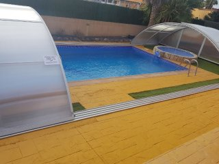 Pool enclosure can be open or closed