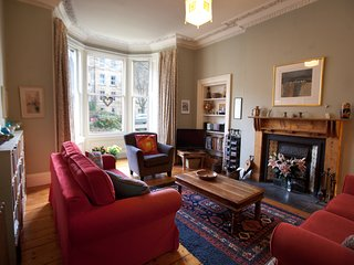 Lovely Edinburgh garden flat, in central and quiet Marchmont location
