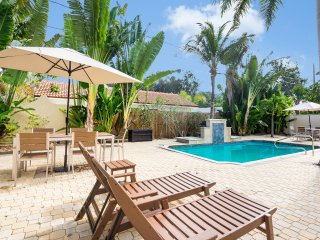 Orchid Villa- 2BR, Sleeping Den, Heated Pool, 4 Min Walk to Beach [Sleeps 6]