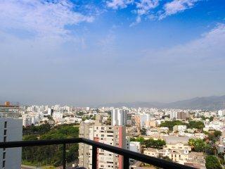 Apartamento c/ balcón vista a la ciudad Centro de Miraflores.