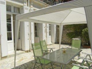 ROYAN FONCILLON : APPARTEMENT avec grande terrasse privative + STUDIO