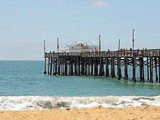 Beautiful Oceanfront Upper Unit Walking Distance to the Newport Pier! (68190)