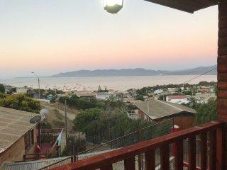 Hermosa Cabana en Guanaqueros con Vista al Mar