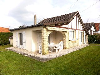 3 bedroom Villa in Cabourg, Normandy, France : ref 5034339