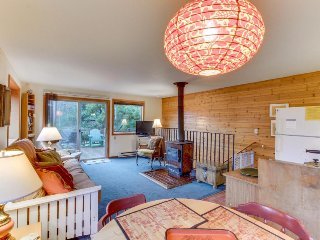 Dog-friendly, oceanview home in lovely Manzanita - close to the beach (MCA #705)
