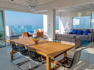3b Deluxe Beachfront Pool Penthouse - Plus Sea Beach