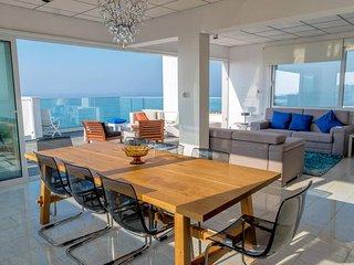 3b Deluxe Beachfront Pool Penthouse - Plus Sea Beach