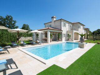 Villa Elena - luxury villas with sport and ECO resort