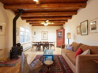 Beautiful Historic Home - Walking Distance to Railyard & Plaza