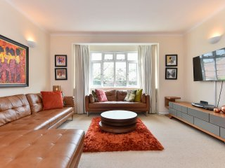 Stunning 2 bed 2 bath Maida Vale