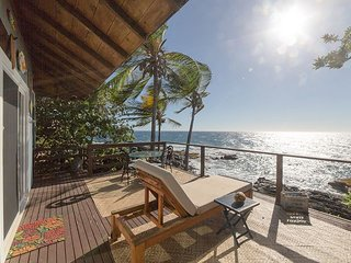 Direct Oceanfront 3BR w/ Gorgeous Water Views – Walk to Magic Sands Beach