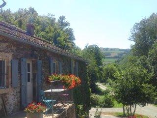 Gite 2 pers axe Albi-Millau bord de riviere et proche vallee du Tarn