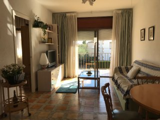 132B A pocos metros de la playa, Llosa, jardin y parking privado