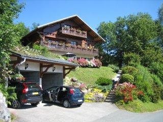 Chalet en duplex, aux portes de Megève, avec une vue sur la chaîne du Mont Blanc