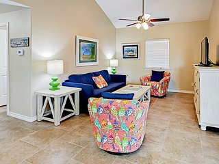 Bright 2BR Beach House - Just Minutes from the Ocean and Downtown
