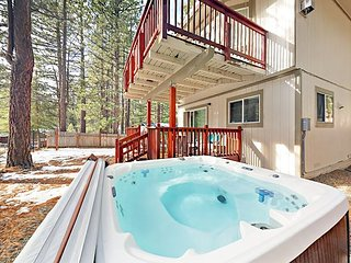Updated 3BR w/ Deck & Private Hot Tub - Game Room w/ Pool Table & Foosball