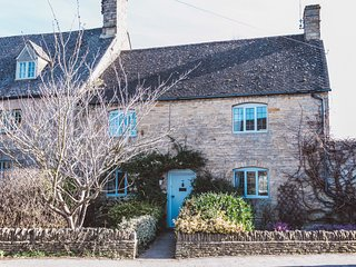 Ivy Cottage - A Chocolate Box Cotswolds Escape