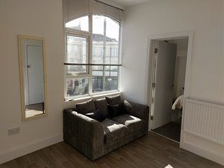 Modern Central 1 Bed Flat Close to the Beach *FEBRUARY+MARCH SALE*