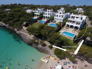 Fantastic luxury 5 bedroom Beach villa in Cala d'Or with direct beach access