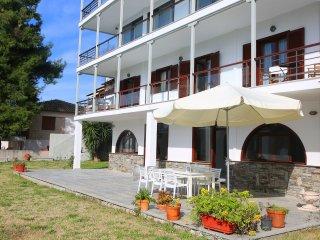 Romaric Mt. Garden House, Siviri