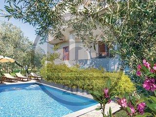 5 bedroom Villa in Sv. Filipi i Jakov, Zadarska Županija, Croatia : ref 5575357