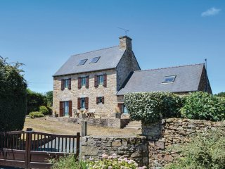 4 bedroom Villa in Pleudaniel, Brittany, France : ref 5521992