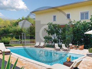 6 bedroom Villa in Todorici, Splitsko-Dalmatinska Zupanija, Croatia : ref 557534