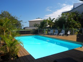 AGREABLE T2 CLAIR,  BELLE VUE MER, 2 terrasses,grande piscine