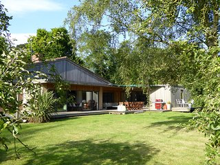 Parsons Pleck, Sleeps 14, Private Pool, Dog & Disabled Friendly, Cotswolds