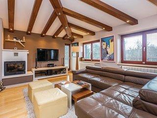6 bedroom Villa in Gostinjac, Primorsko-Goranska Županija, Croatia : ref 557534