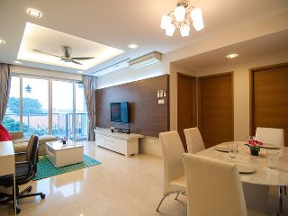 Classic 3-bed apartment in Clementi