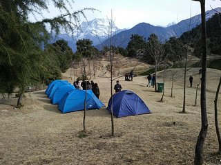 Deoria Tal and Chopta Tents & Treks