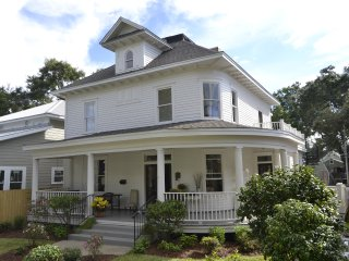 !  Luxury 5br/5ba home near beach!