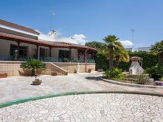 Villa relax per famiglie vista mare Ionio m524