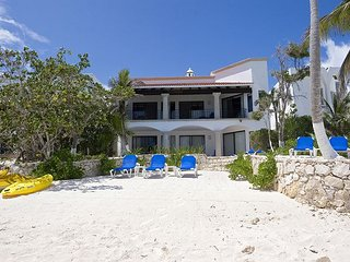 Elegant South Akumal 5 bedroom Beachfront Villa, Perfect Family Vacation!