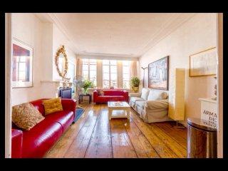 Best Location Rembrandtsquare beautiful apartment Smoker friendly