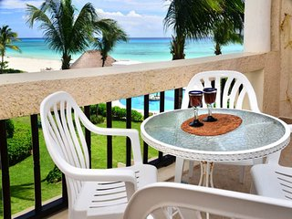 ✦OCEANFRONT✦ Quaint Couples Retreat #204