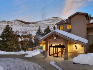 Vail Marriott Streamside Douglas - 1BR+Loft, 3 Full Baths, Sleeps 8