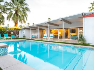 Midcentury Pool Retreat