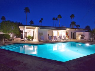 Palm Springs Midcentury Retreat