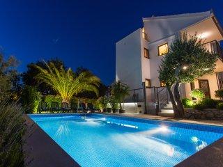 Charming Villa LeANN