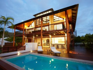 Villa Kembali - Horseshoe Bay, QLD