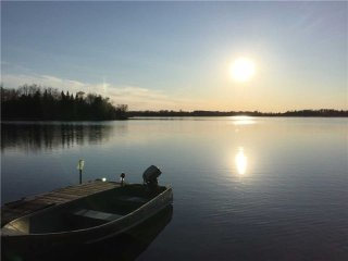 Kawartha Lakes, Amazing View 4 BR, Lakefrnt Cottage, 15 Slps, 1 Hr T.O, YR Rnd