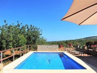 Villa Caballito Azul, Casa con Piscina y Jardín