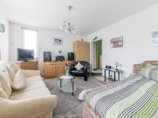 Cosy studio in Hanover with Parking, Washing machine, Balcony