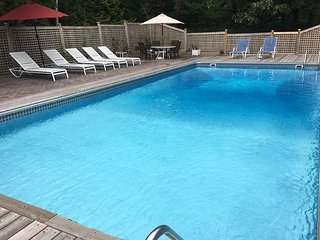 Southampton Home Perfectly Located near town w/ Heated Pool & Jacuzzi US OPEN