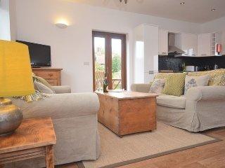 40757 Cottage in Burnham Marke