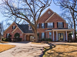 Elegant home in a historic neighborhood in the most Historic town in Texas.