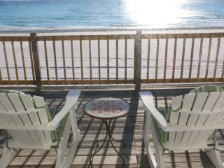 Aqua-Holic 2 bedroom beachfront house