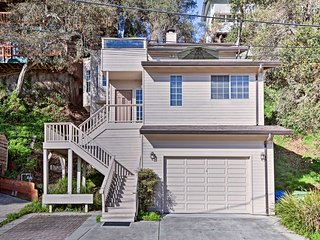 Sunny Aptos House w/ Ocean Views - Walk to Beach!